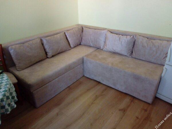 Ъглов диван по поръчка на клиент